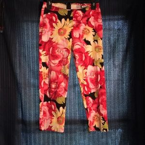 Evolution bright red and yellow flower capris